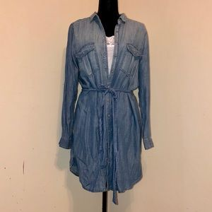 American Eagle jean shirt dress. Large. New.